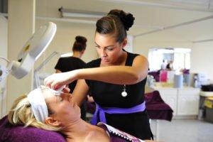 bestedingen cosmetica 2016 via professionele kanaal